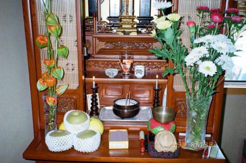 お盆の仏壇