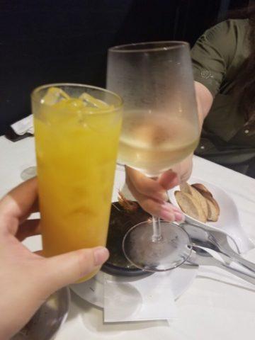 白ワインとピーチオレンジ