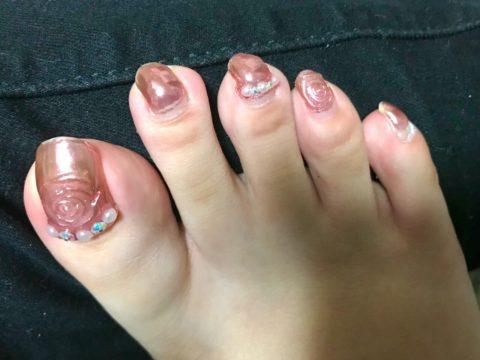 伸びた足の爪