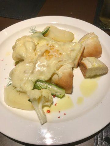 ステラレガーレのラクレットチーズとパン