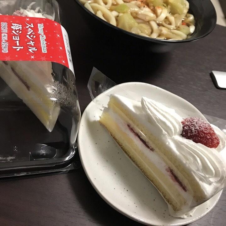 コンビニのショートケーキ
