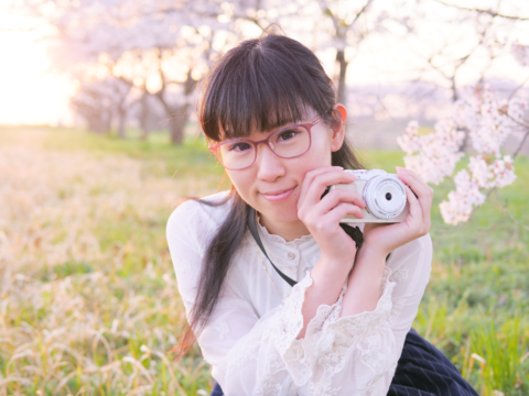 春のカメラ女子