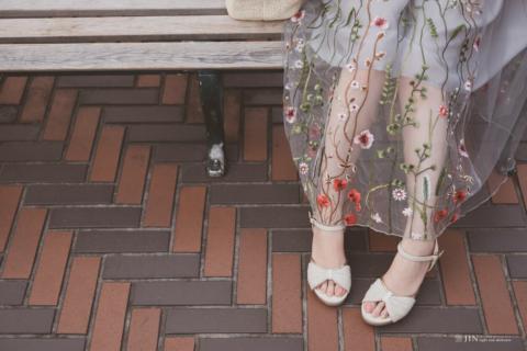 花柄レースと足