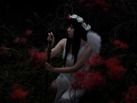 闇の中の天使