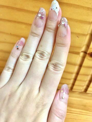 ネイルシールの手