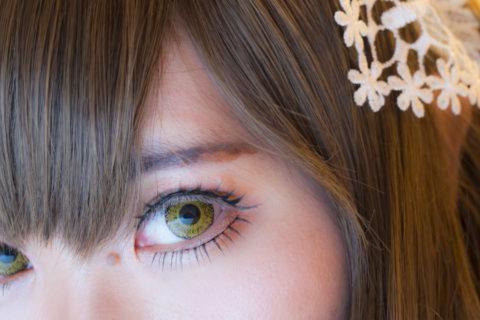 瞳のアップ