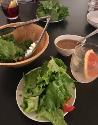 お通しの食べ放題サラダ